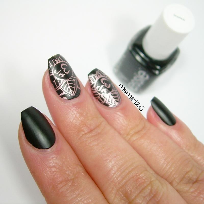 Om Nailart nail art by msmiri26