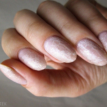 Light pink with stamping nail art by Yenotek