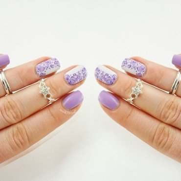 Purple Flower Frame nail art by Ann-Kristin