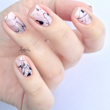 Splatter nail art by lackfein