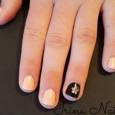 Manicure nude with black nail art by Irina Nail