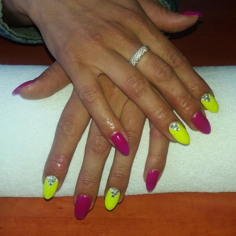 Neons nail art by Magda