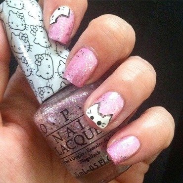 PeekaBoo Kitty nail art by Dolly Duke