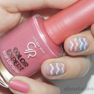 Chevron and holo spark 2 nail art by Kasia