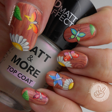 The Garden Fence - Freehand nail art by Ithfifi Williams