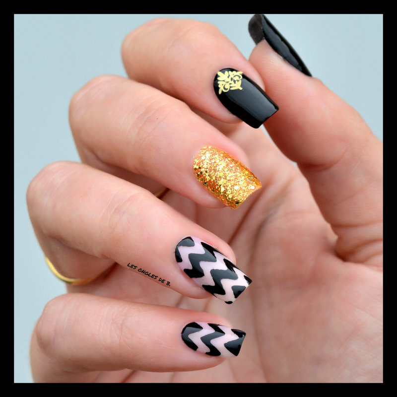 Chevron class nail art by Les ongles de B.