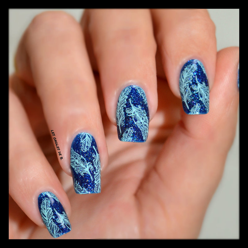 Feather nail art by Les ongles de B.