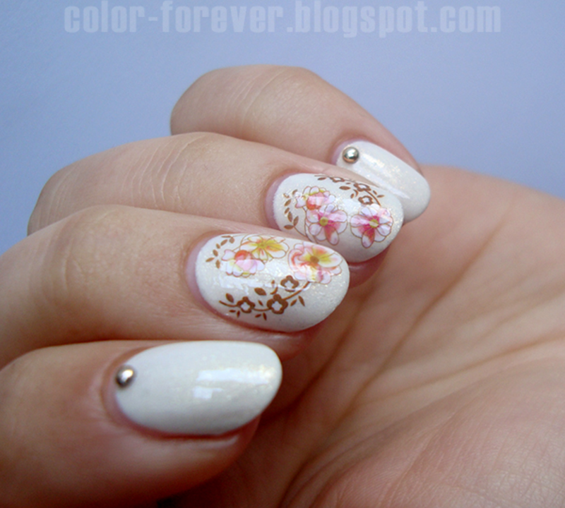 delicate flowers nail art by ania