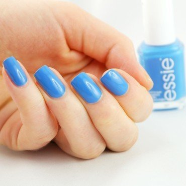 Essie Nama-Stay the Night Swatch by Ann-Kristin