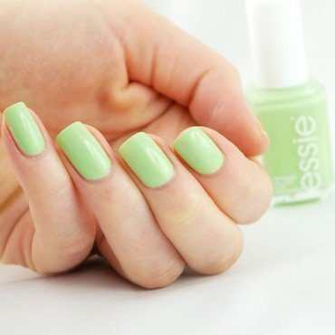 Essie Going Guru Swatch by Ann-Kristin