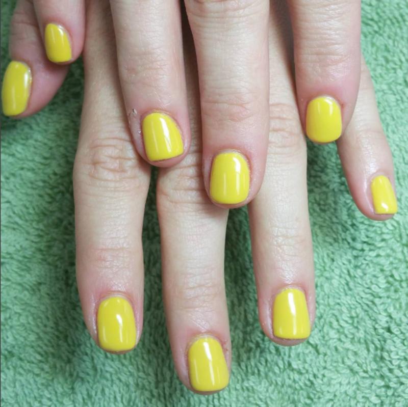Sunny Nails nail art by Kristen Lovett