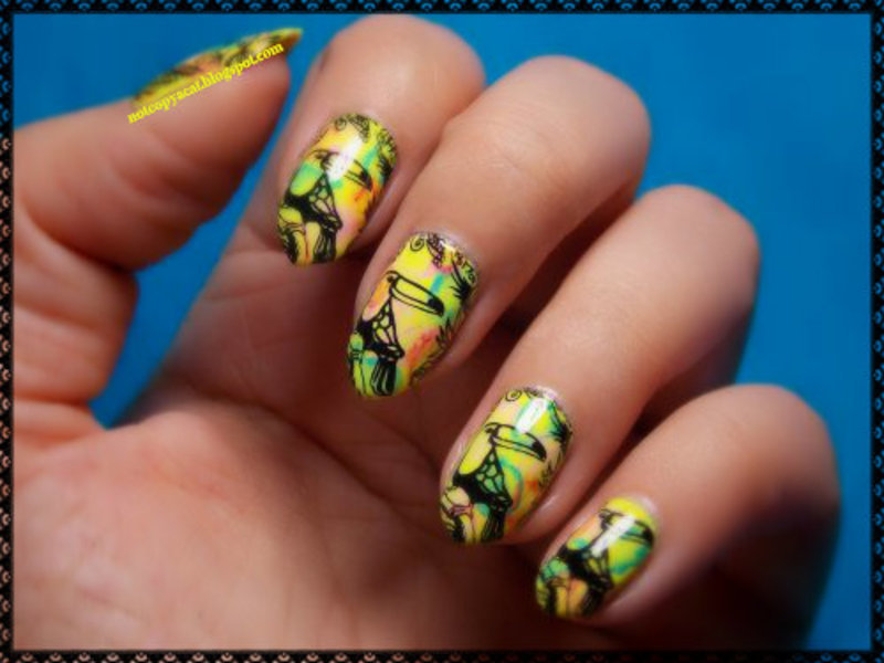 Exotic travel vibe with toucans :) nail art by notcopyacat