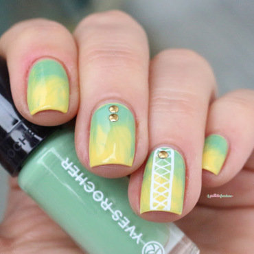 Blended gradient nail art by nathalie lapaillettefrondeuse