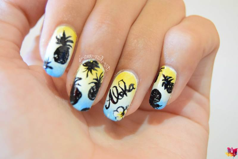 Summer gradient & Pineapples nail art by i-am-nail-art
