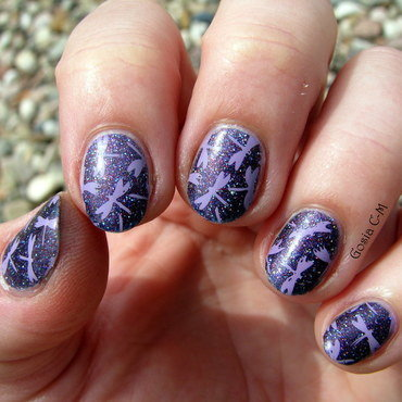 Dragonflies nail art by Nail Crazinesss