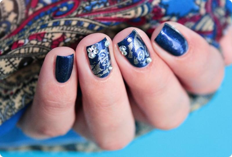 Jane & Silver Roses nail art by Romana