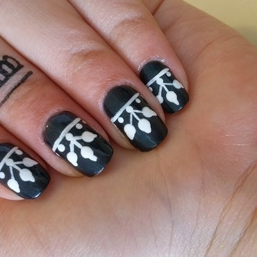 henna inspired nail art by Maya Harran
