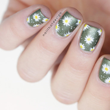 Army Daisies  nail art by NailThatDesign