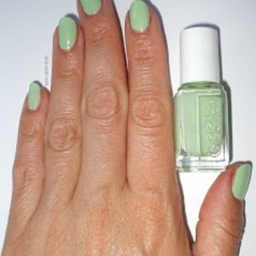 Essie Going Guru Swatch by only real nails.