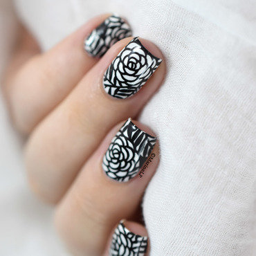 Black and white roses nail art nicole diary nd102 20 4  thumb370f