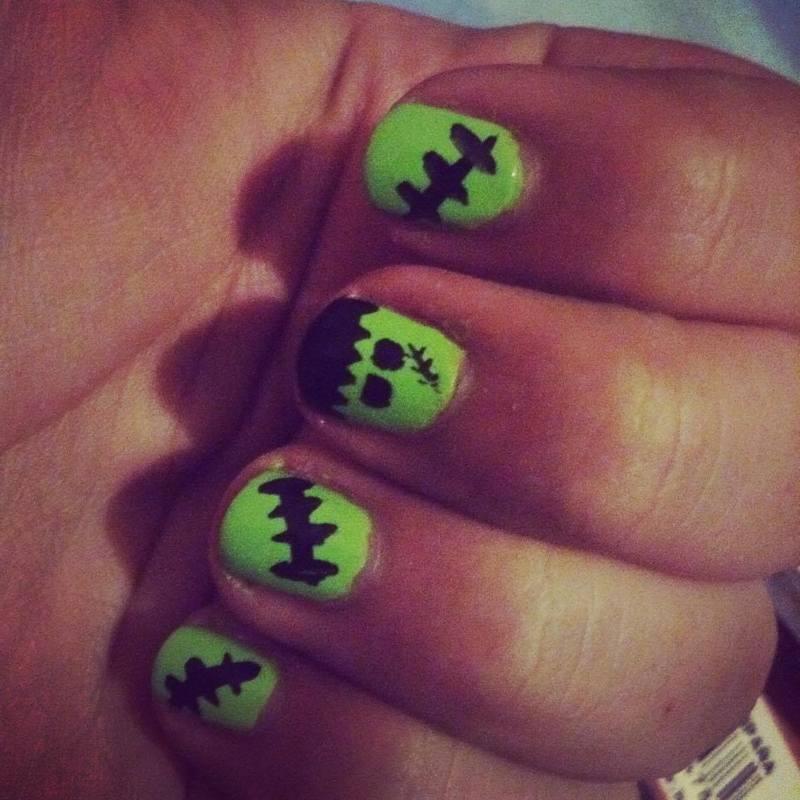 Frankie! nail art by Kar Pérez