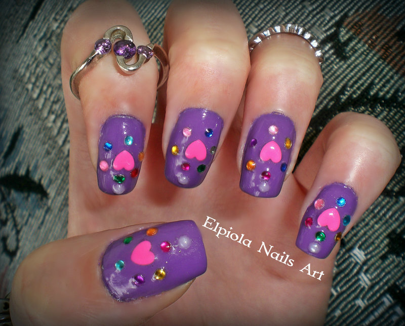 Hearts nail art by Elpiola Lluka
