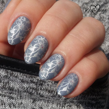 Silver & Gray nail art by RedRouge