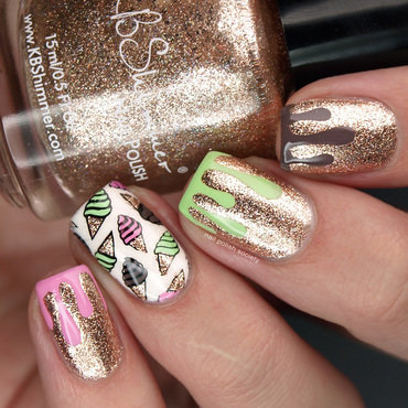 Dripping Spumoni Ice Cream Nails nail art by Emiline Harris