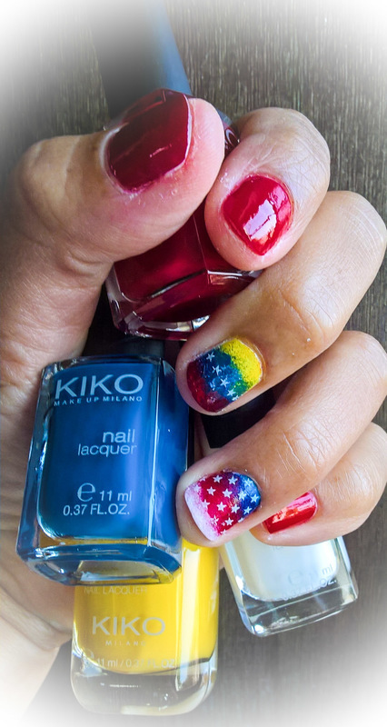 Patriotic Manicure nail art by Avesur Europa