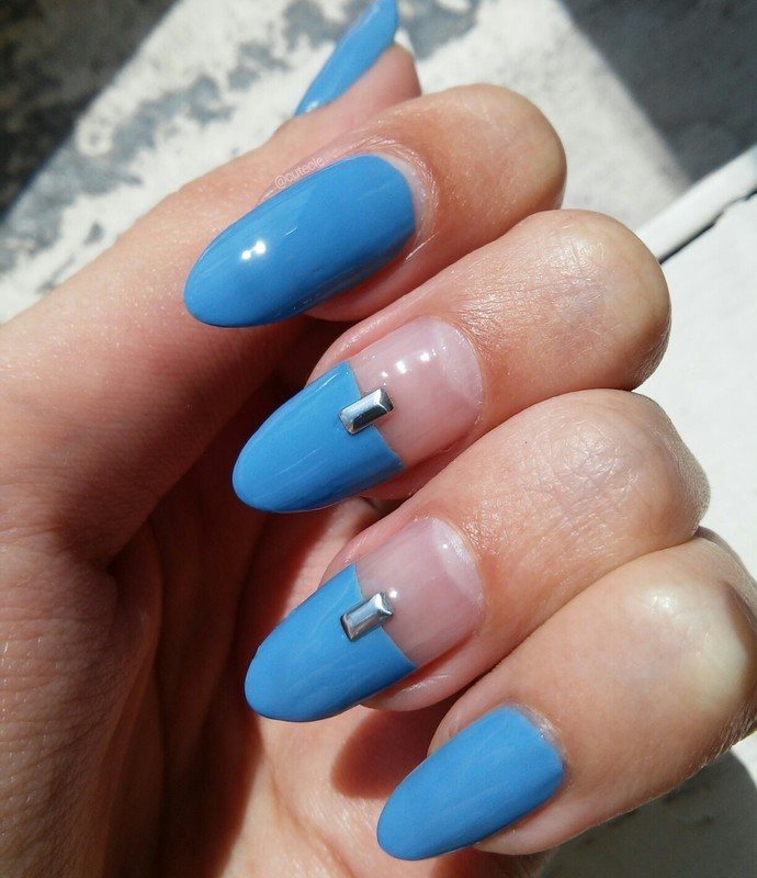 Maybe Blue nail art by Cutecle