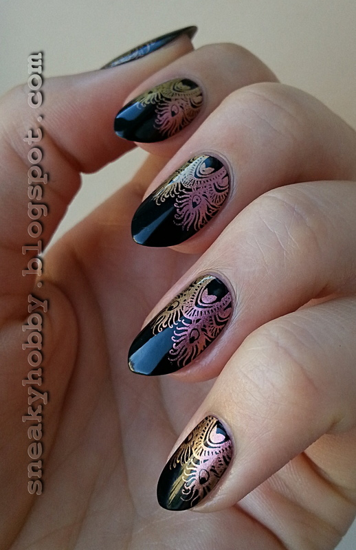 Multichrome Peacock Feathers nail art by Mgielka M