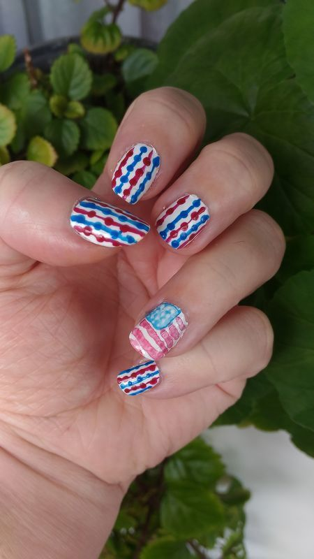 Belated 4th of July nail art by tigerlyly