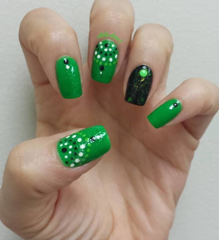 Strands of Dots nail art by chleda15