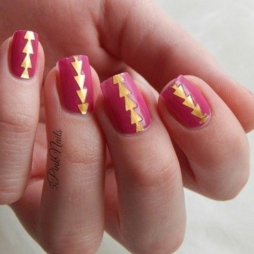 Purple nails with gold arrows nail art by 5PinkNails