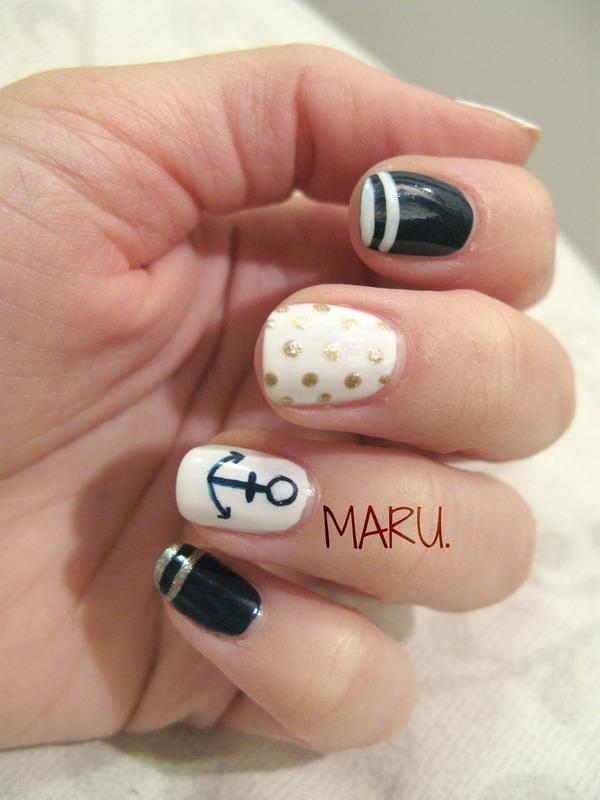 Classy Nautical nail art by Martina