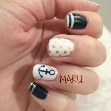Classy Nautical nail art by Martina