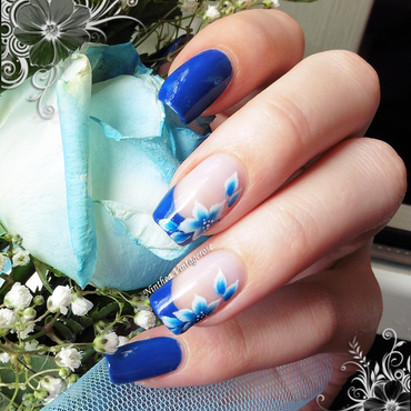 Royal blue flower nail art by Ninthea