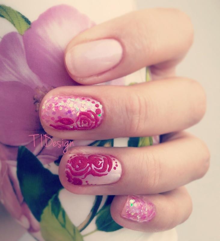 Velvet and sparkles nail art by TIDesign