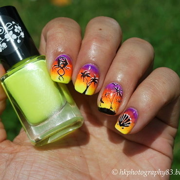 Summer/beach nail art nail art by Hana K.