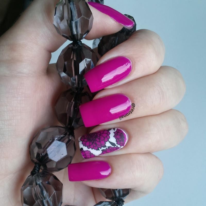 PURPLE FLOWERS nail art by retronail