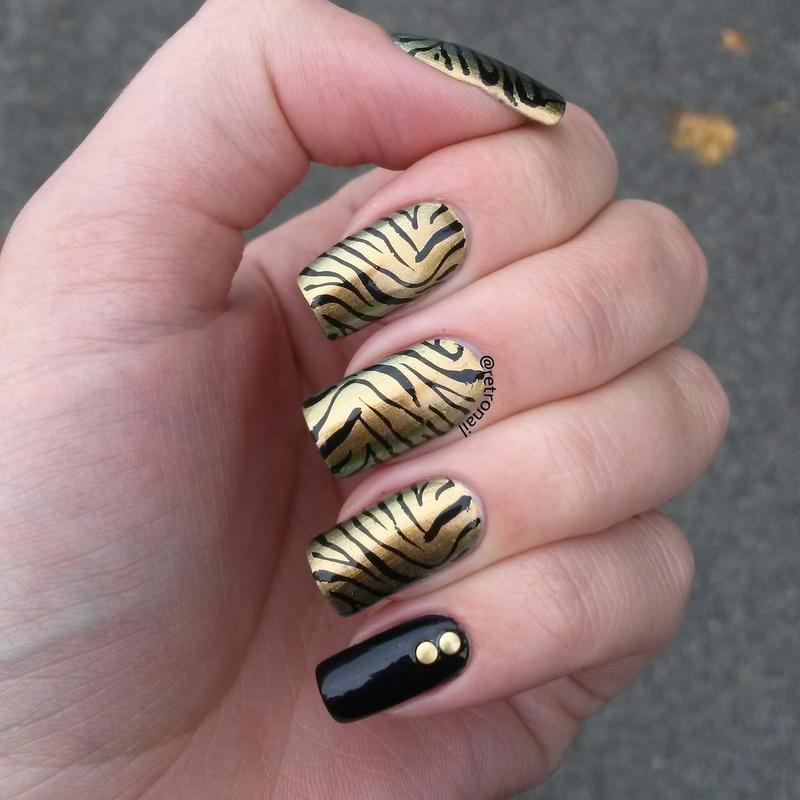 DUOCHROME TIGER nail art by retronail