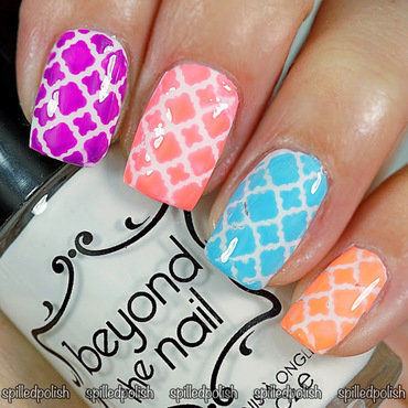 Neon Quatrefoil Nails nail art by Maddy S