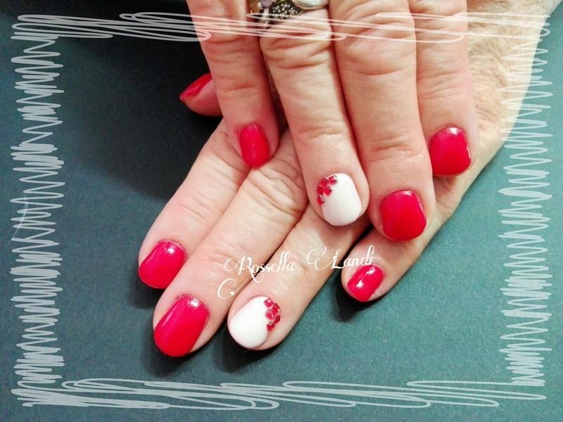 Semipermanente Mesauda nail art by Rossella Landi