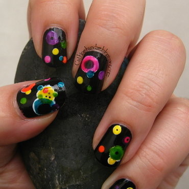 Several Circles nail art by Vedrana Brankovic