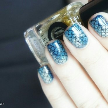 Siren nail art by Pmabelle