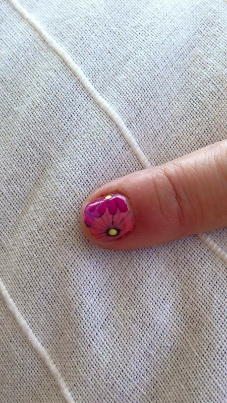 Flowers nail art by Rezingona