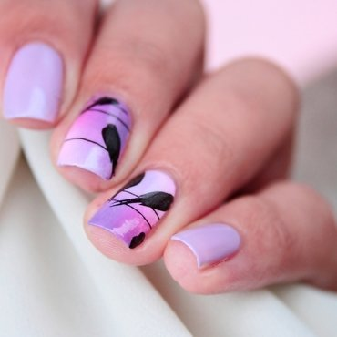 Romantic gradient and birds nail art by Romana