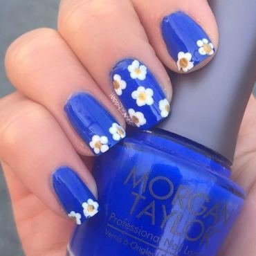 Daisies nail art by Happy_aries