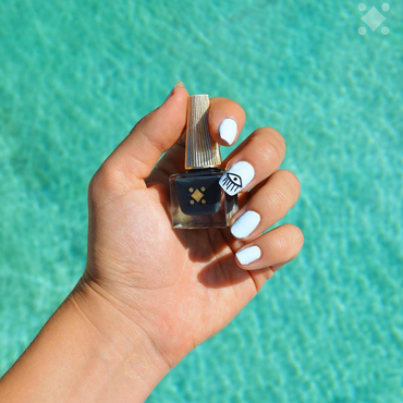 The Eye // nail art by Deco Miami
