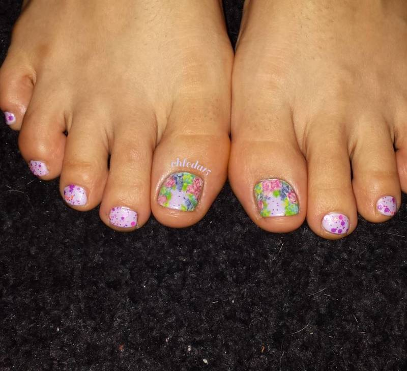 Tip Toe Through the Tulips nail art by chleda15